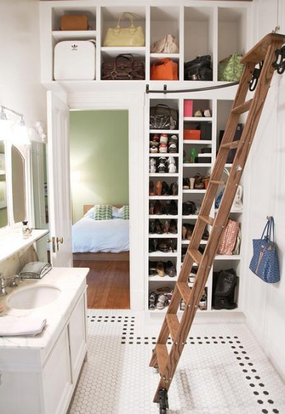 Jill_Roberson_dressing_room_bathroom_via_Canadian_H&H