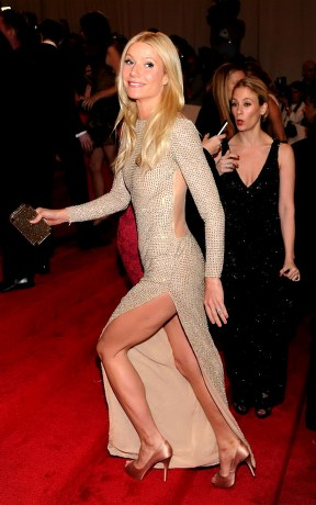 Gwyneth-Paltrow-Metallic-Dress-At-MET-Gala