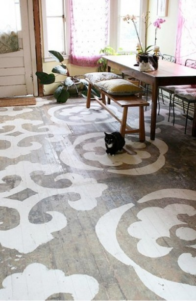 stenciled-floors-_-glitterandpearls-com